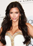 th_86912_celebrity_paradise.com_Kim_Kardashian_Fragance_53_122_125lo.jpg