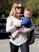 http://img235.imagevenue.com/loc131/th_532776430_Hilary_Duff_out_in_Beverly_Hills6_122_131lo.JPG