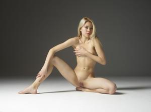 Margot - Young Spirit [Zip]157q45foiz.jpg