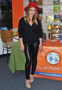 http://img235.imagevenue.com/loc342/th_267898995_HilaryDuff_promotesTrue_Mrs.NelsonsToyBookShop12_122_342lo.jpg