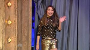 Miranda Cosgrove - Jimmy Fallon,  November 20, 2012 - 810p  mp4  caps