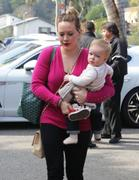 http://img235.imagevenue.com/loc483/th_518298263_Hilaty_Duff_Takes_baby_Luca_to_a_play_date18_122_483lo.jpg
