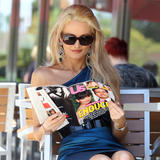 Holly Madison | Reading a Magazine @ Coffee Bean in LA | July 26 | 12 pics